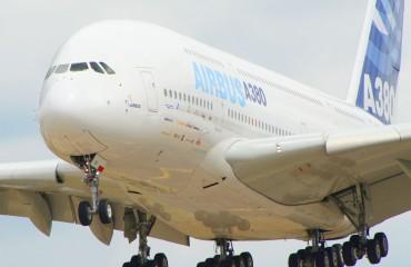 The Airbus A380 landing at the Farnborough air show in 2006